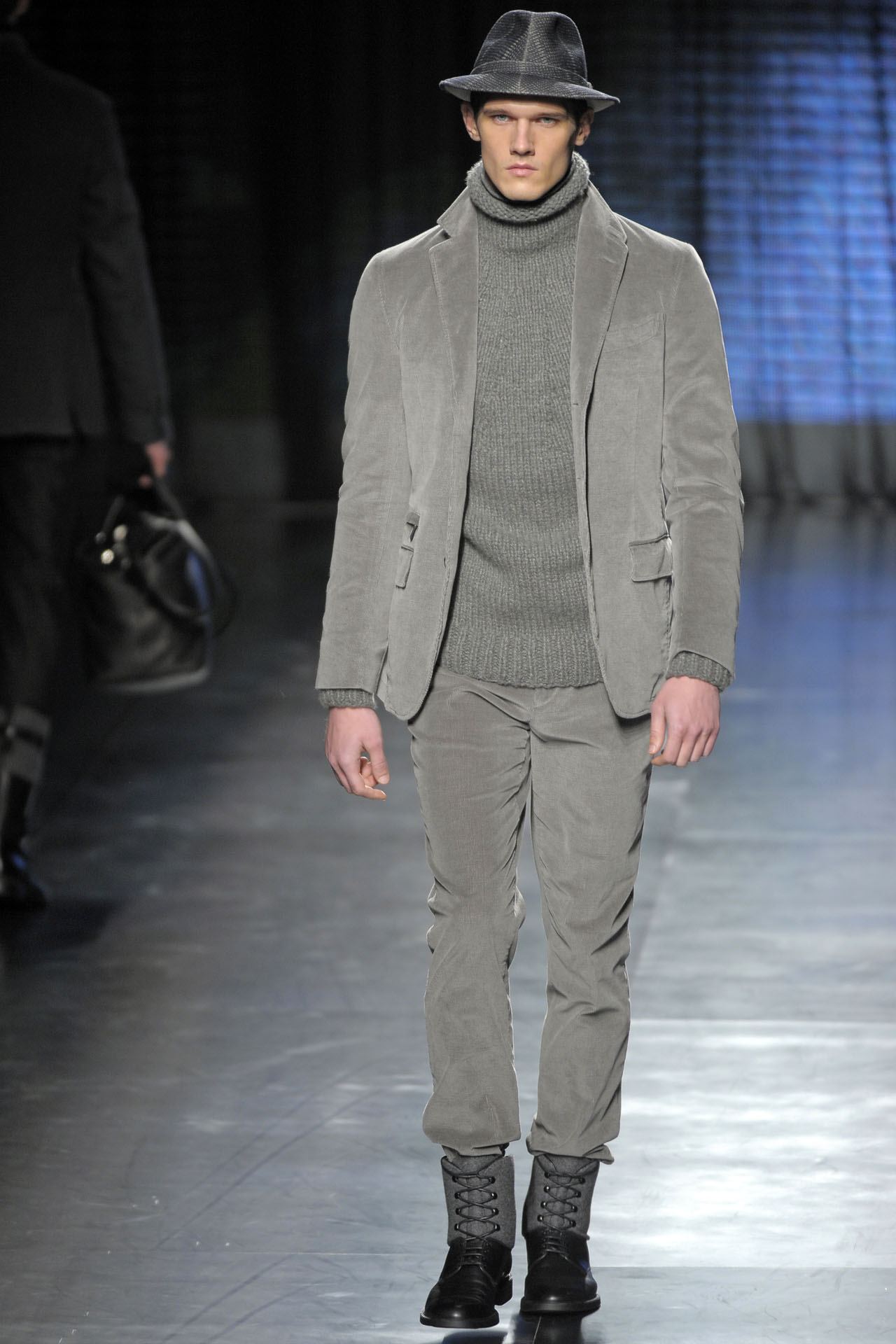 MILANO_UOMO_ january 2010_Ermernegildo_Zegna_MENSWEAR FALL WINTER 2010